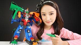 getlinkyoutube.com-헬로카봇 로드세이버 장난감 택시 버스 3대 합체 로봇 자동차 캐리의 변신 놀이 CarrieAndToys