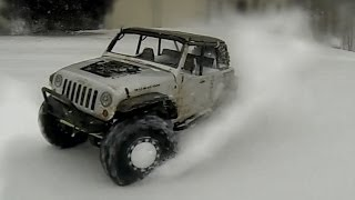 getlinkyoutube.com-EPIC Axial SCX10 Brushless in Snow