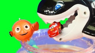 Fun And Learning Counting With Disney Cars Lightning McQueen & Sally In Lil' Fishys Nemo Fish Tank