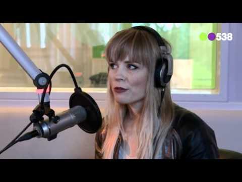 Ilse DeLange over nieuwe single (Live bij Evers Staat Op)