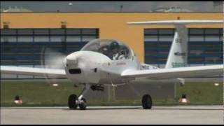 getlinkyoutube.com-DA 36 E-Star: first flight of an hybrid aircraft with range extender (EADS, Siemens)