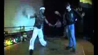 getlinkyoutube.com-Пацан обломал негра танцора))))