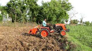 getlinkyoutube.com-Kubota  India A211N in sugarcane fields