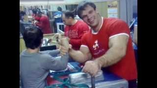 getlinkyoutube.com-denis cyplenkov doing armwrestling practice  in gym Sep 4, 2012 3_01am