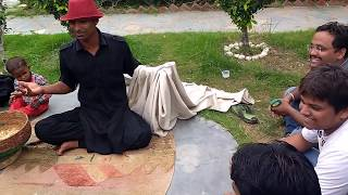 getlinkyoutube.com-Impossible Indian street magic tricks (most liked video ever on street magic)