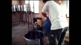 getlinkyoutube.com-Pembuatan minyak kelapa  Baru.mpg