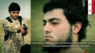 getlinkyoutube.com-فيديو للدواعش يظهر فيه طفل ينفذ الإعدام بحق ما قالوا أنه عميل اسرائيلي