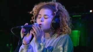 getlinkyoutube.com-Rudimental - Waiting All Night ft. Ella Eyre (BBC Radio 1 Live Lounge)