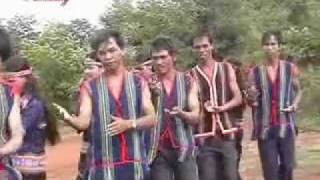 getlinkyoutube.com-Bahnar Gong Music Dance (Soang Tap Ti)