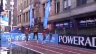 getlinkyoutube.com-Usain Bolt 150m Manchester World Record