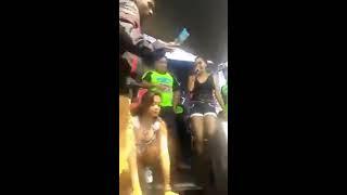 getlinkyoutube.com-Sakitnya Tuh Di Sini - Xena Xenita feat Della Santika - Hot