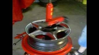 getlinkyoutube.com-Desmontadora de pneus manual