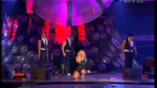 getlinkyoutube.com-Christina Aguilera - Fighter Live