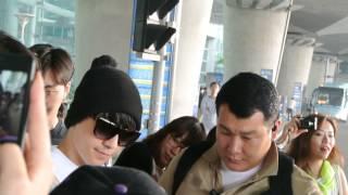 getlinkyoutube.com-20130609 Seungri@Incheon Airport