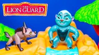 getlinkyoutube.com-LION GUARD Disney Bunga Challenge Hyenas Lion Guard Video Toys Parody