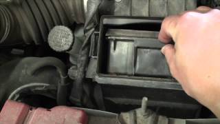 getlinkyoutube.com-DIY Nissan Versa Engine Air Filter Service