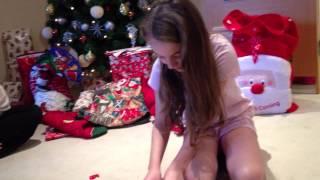 getlinkyoutube.com-Girl cries over Christmas puppy!