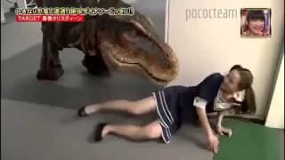 getlinkyoutube.com-Trò đùa Nhật Bản - Gặp Khủng Long thật