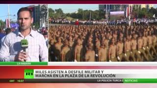 Miles de personas asisten a una marcha conmemorativa en La Habana