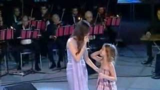 getlinkyoutube.com-Nancy Ajram Northern Coast Concert 2009 Law Sa2ltak Enta Masri