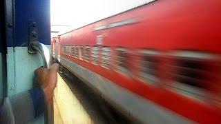 getlinkyoutube.com-Thrill Parallel Race Between Shivganga Express And