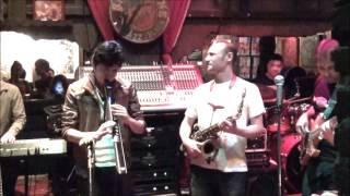 getlinkyoutube.com-Live at Saxophone Club in Thai with Koh Mr.Saxman, Benny Golbin and Frank Herrgott