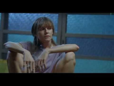 Deborah secco fumando no filme bruna surfistinha