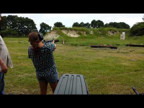 Katie Shooting H&K MP5 Machine Gun