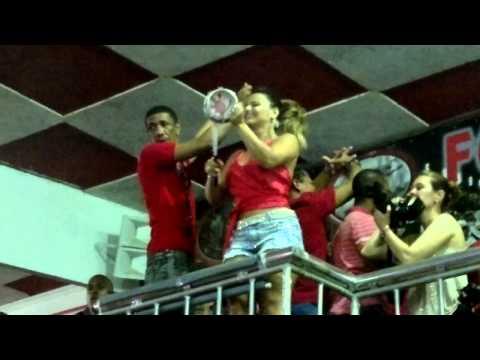 Viviane Araujo detonando na bateria da Salgueiro ensaio carnaval 2013