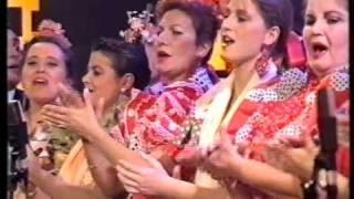 getlinkyoutube.com-Coro Rociero de la Hdad de Sevilla - Riá Pitá 1992 Canal Sur Tv
