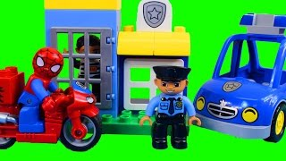 getlinkyoutube.com-Lego duplo Spider-man Bike Workshop And Duplo My First Police Set