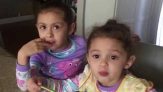 "getlinkyoutube.com-Larry hernandez "" haciendo comer a Dalary"""