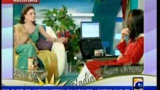 getlinkyoutube.com-veena malik and nadia khan show
