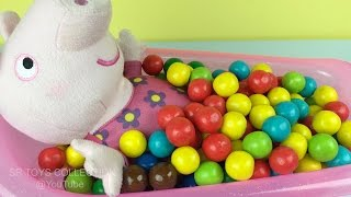 getlinkyoutube.com-Fun Learning Colors with Peppa Pig Bath Time In Gumballs Pretend Play for Children