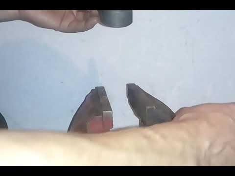 Где у Крайслер Town&Country находятся рулевые наконечники
