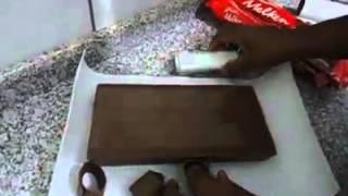 getlinkyoutube.com-Como Fazer Raspas de Chocolate