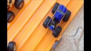 getlinkyoutube.com-HOTWHEELS MONSTER TRUCK DRAG RACING 2
