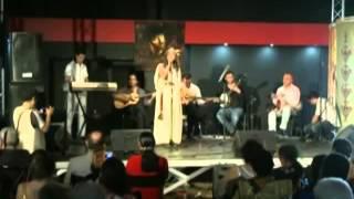 getlinkyoutube.com-Une marocaine qui chante Matoub