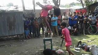 getlinkyoutube.com-৭ বছরের একটি মেয়ে কি ভাবে ৮ টি কাচের বতলের মধ্যে দাড়িয়ে নানা ধরনের খেলা দেখায় না দেখলে বুঝবেন না