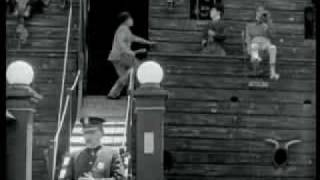 "getlinkyoutube.com-Charlie Chaplin in ""The Circus"""