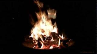 getlinkyoutube.com-Campfire HD 1080p - 15 Minutes for Relaxation & Meditation - Nature Sound - burning wood