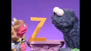 getlinkyoutube.com-Sesame Street Cookie's Letter of the Day Z