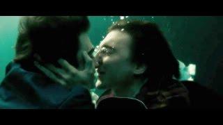 getlinkyoutube.com-Swi55 Army Man Kiss - Daniel Radcliffe & Paul Dano