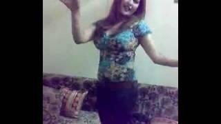 getlinkyoutube.com-رقص بنت فاتنة في حفلة عيد ميلاد