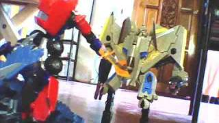getlinkyoutube.com-transformers revenge of the fallen stop motion optimus vs decepticon forest fight