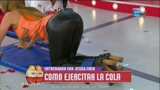 getlinkyoutube.com-Jesica Cirio En Pantalones de Cuero Ajustados