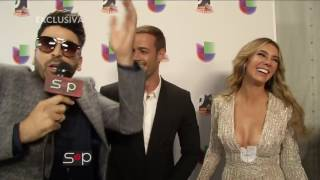 getlinkyoutube.com-Agarraditos de la mano  William Levy y Elizabeth gutierrez SyP