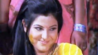getlinkyoutube.com-Gore Dehiya Pe Sohe Piyariya [ Bhojpuri Video Song ] Hawa Mein Udta Jaye Mera Lal Dupatta Malmal Ka
