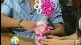 getlinkyoutube.com-Flores de papel Crepe. Centro de mesa.