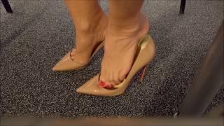 getlinkyoutube.com-High heels, Toe cleavage, Close up, Talons hauts